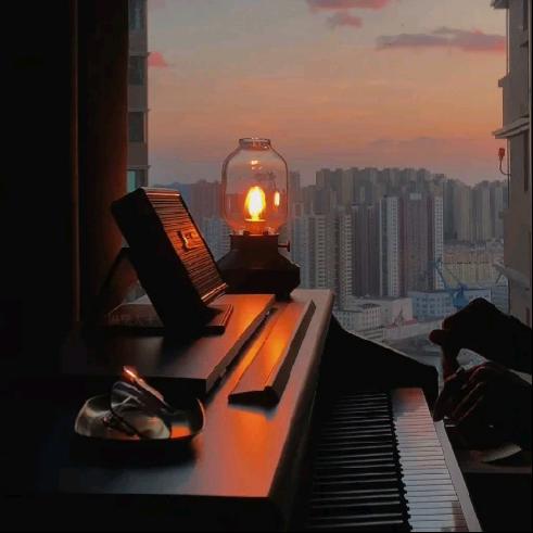 Deemo - 纯白(Pure White) - 情感100%钢琴谱