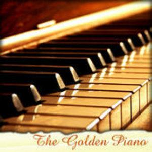 用改编的菊次郎的夏天示范钢琴弹唱的常见伴奏型