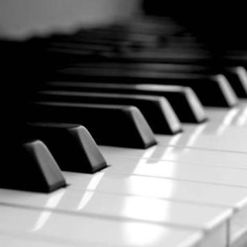 夜的钢琴曲五(超好听版简单)钢琴谱