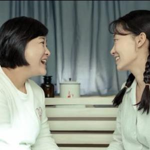 你好李焕英  依兰爱情故事  简单版钢琴谱