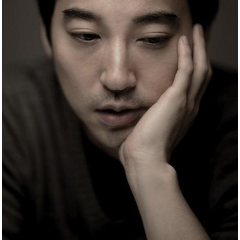 李闰珉-Wait There钢琴谱
